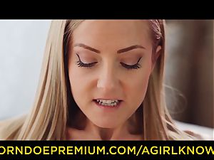 A girl KNOWS - sexy girly-girl blondes fuck stick act