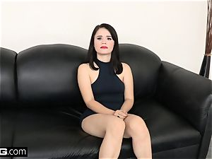 bang casting Yhivi porked tough and takes facial
