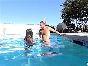 Ana Foxxx pool nail with the dangled Danny Mountain