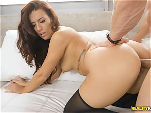 Pretty babe Victoria Banxxx sits on rock hard stiffy