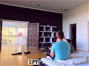SpyFam Step sista Aidra Fox caught milking