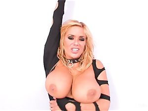 beauty Shyla Stylez inhales off a fuck stick