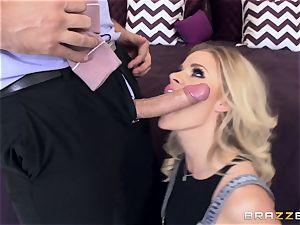 Jessa Rhodes gets a servicing from her boyfriends father