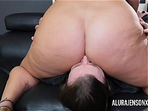 huge-titted mummy Alura Jenson has her thick rump adored