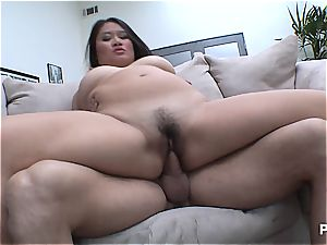 Making her asian gash spray