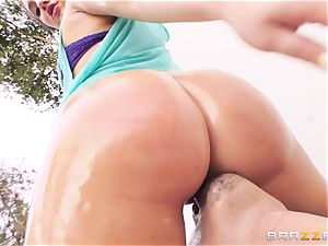 killer Maddy OReilly luvs to perceive a penis in her rump