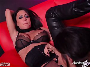 Jessica Jaymes nailed by Alison Tyler using a strapon