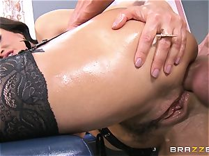 Lisa Ann all oiled up and analled