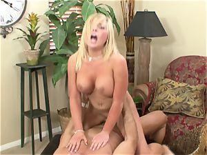 Heidi Hollywood bouncy bubble On That pecker!