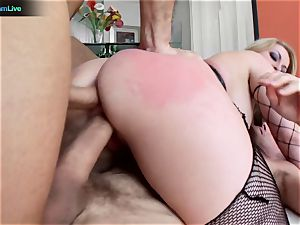 curvaceous blonde Aline addicted to double foray