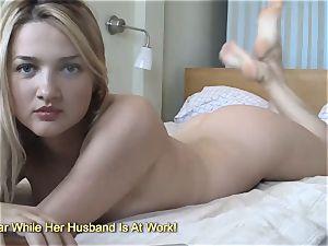 brilliant big-titted ash-blonde frolicking on web cam