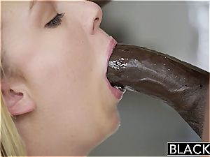 bootylicious Brooke Wylde handles an dark-hued manmeat inwards