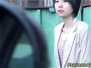 chinese newbie peeing