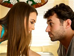adorable Riley Reid yearns for her little fuckbox to get a fucking