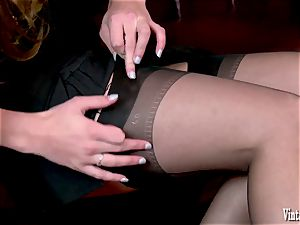black-haired bursting to spunk in antique harness nylons jack