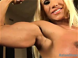 Buff blondie inserts humungous glass fuck stick in her cooter