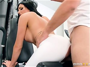 fitness trainer ravages his greatest friend's buxomy wifey Jaclyn Taylor during instructing