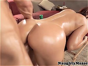 sandy-haired mummy Janet tearing up her masseuse