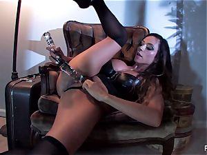 Ariella Ferrera fucks herself with a large glass plaything
