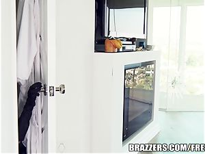 Brazzers minx Ava is a fine cooter cat