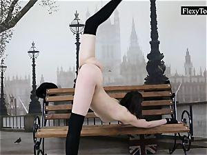 lithe Ariella shows incredible nude gymnastics