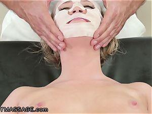 FantasyMassage Bailey Brooke On Top of massagists manmeat!