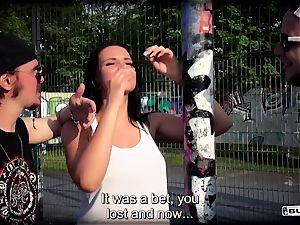 arses BUS - unloading German babe in steamy van nail