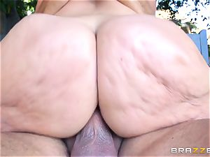 Alena Crofts torn up by a rock hard slimy cock