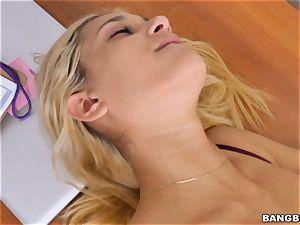 wonderful blondie Uma Jolie throating meatpipe