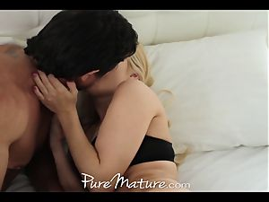 pure Mature wifey wakes up super-naughty and wants a massive penis