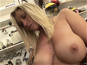 steamy Devon Lee luvs taunting her appetizing humid joy button