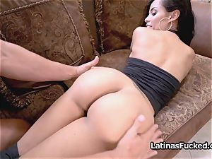fabulous phat backside Latina works a hard knob