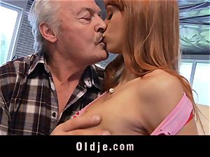 Oldman Gustavo blessed to nail jaw-dropping Erica Fontes